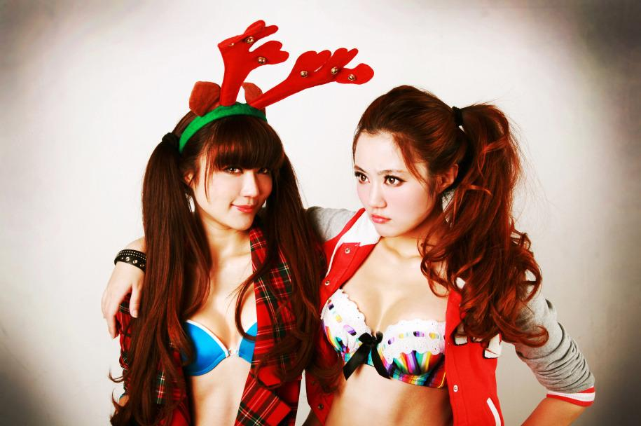 Merry Christmas with Asian ladys in sexy style