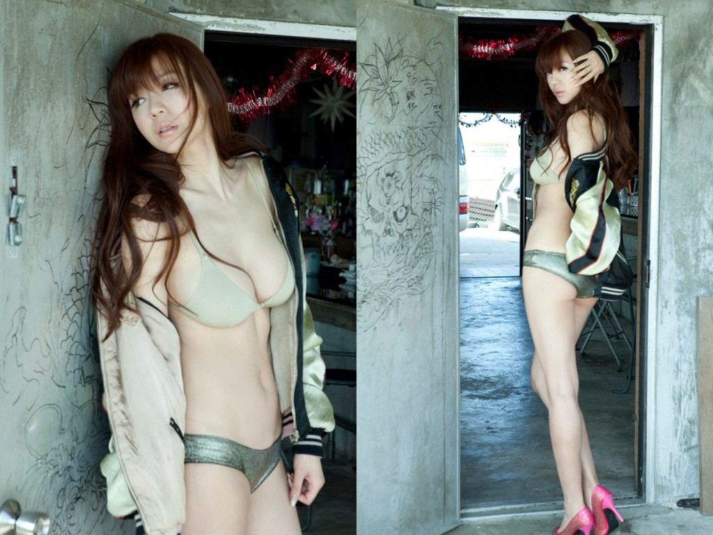 Zhou Wei Tong (Cica) she is Mystique of Asia and so sexy