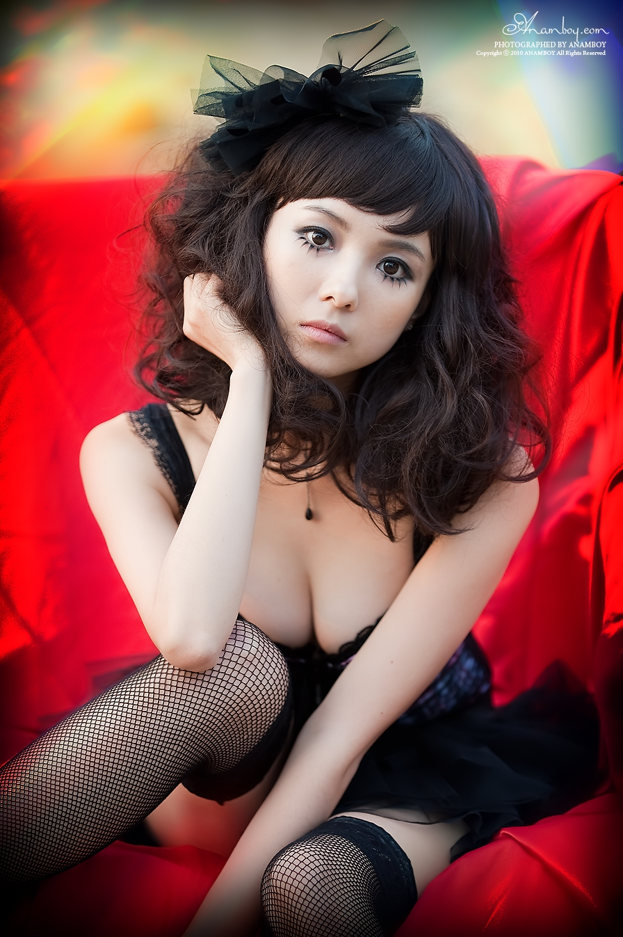 Asian Magician lady so Sexy with Dark Puzzle