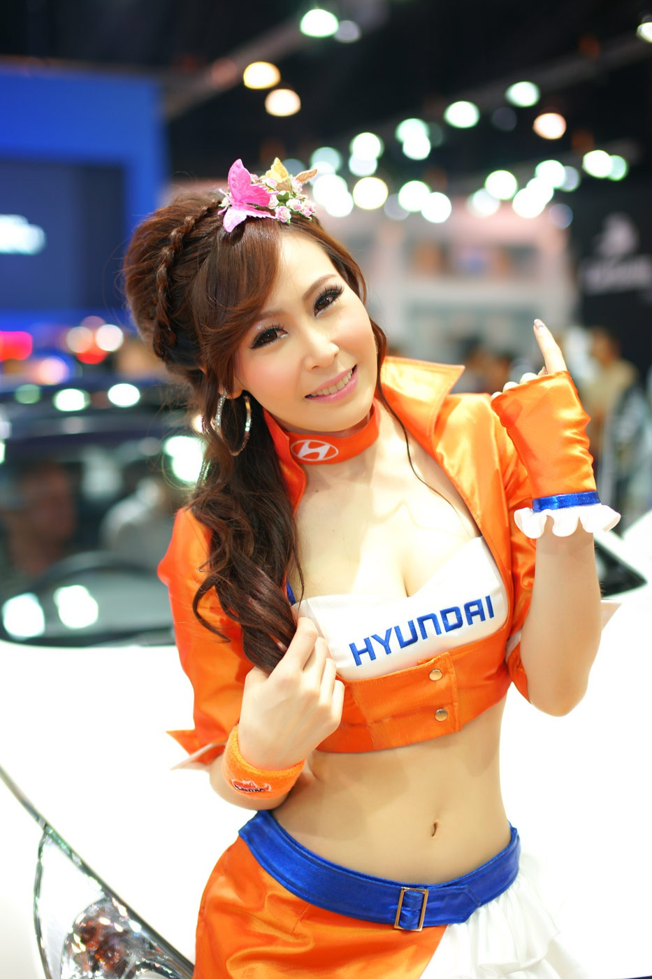 Pretty Thai lady of Pioneer Company, so Sexy