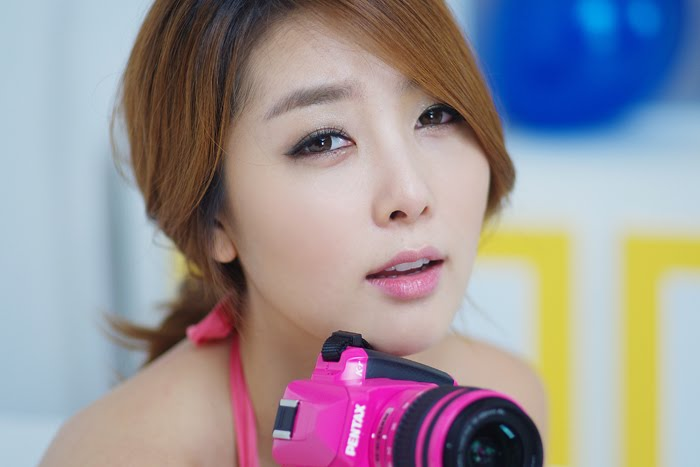 Lee Soo Jung Korean Model Overflowing in Sweet Pink