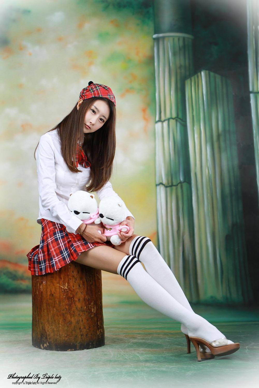Ryu Ji Hye Korean Model in Student uniform on page 2